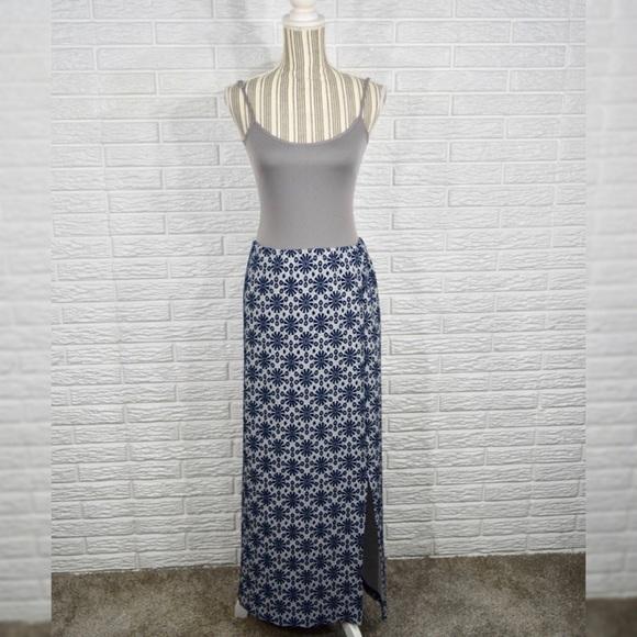 Vintage Dresses & Skirts - Vintage Blue & White Patterned Maxi Skirt